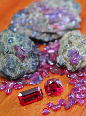 Rough and faceted rubies from Thailand-Cambodia
