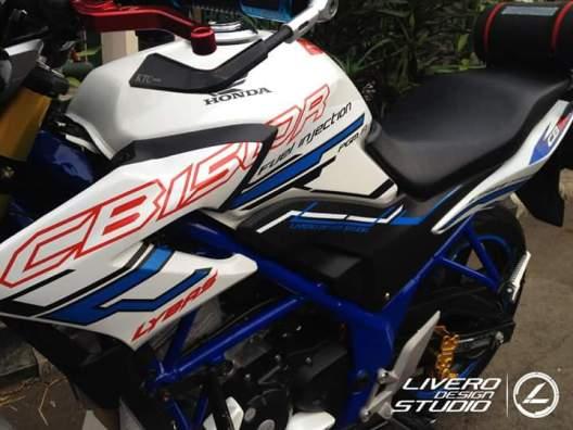 Striping Keren Untuk Honda CB150R By: Livero Studio