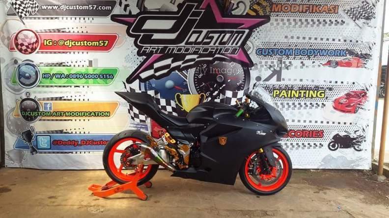 Proses Pemasangan Body Custom Ducati Panigale Ke Ninja 250 Fi