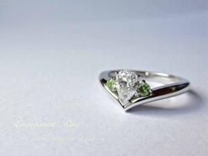 エンゲージリング 婚約指輪 ダイヤモンド ペアシェイプ ペリドット SAIJO 森拓郎