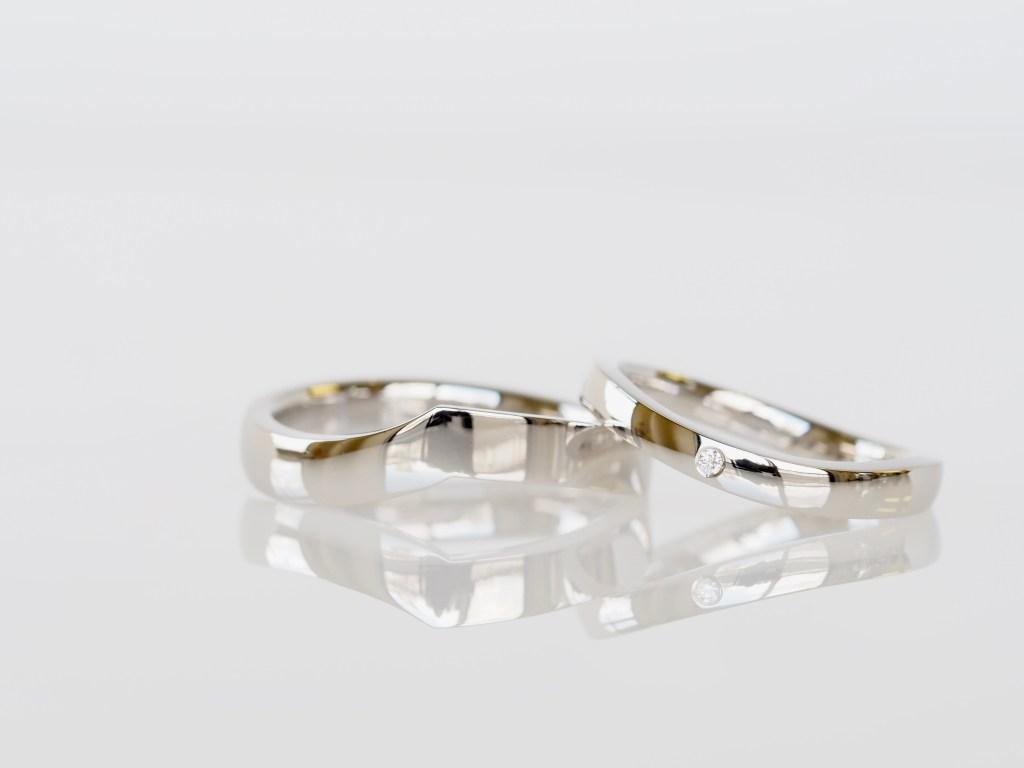 ダイヤモンドを使ったオーダーメイドの結婚指輪