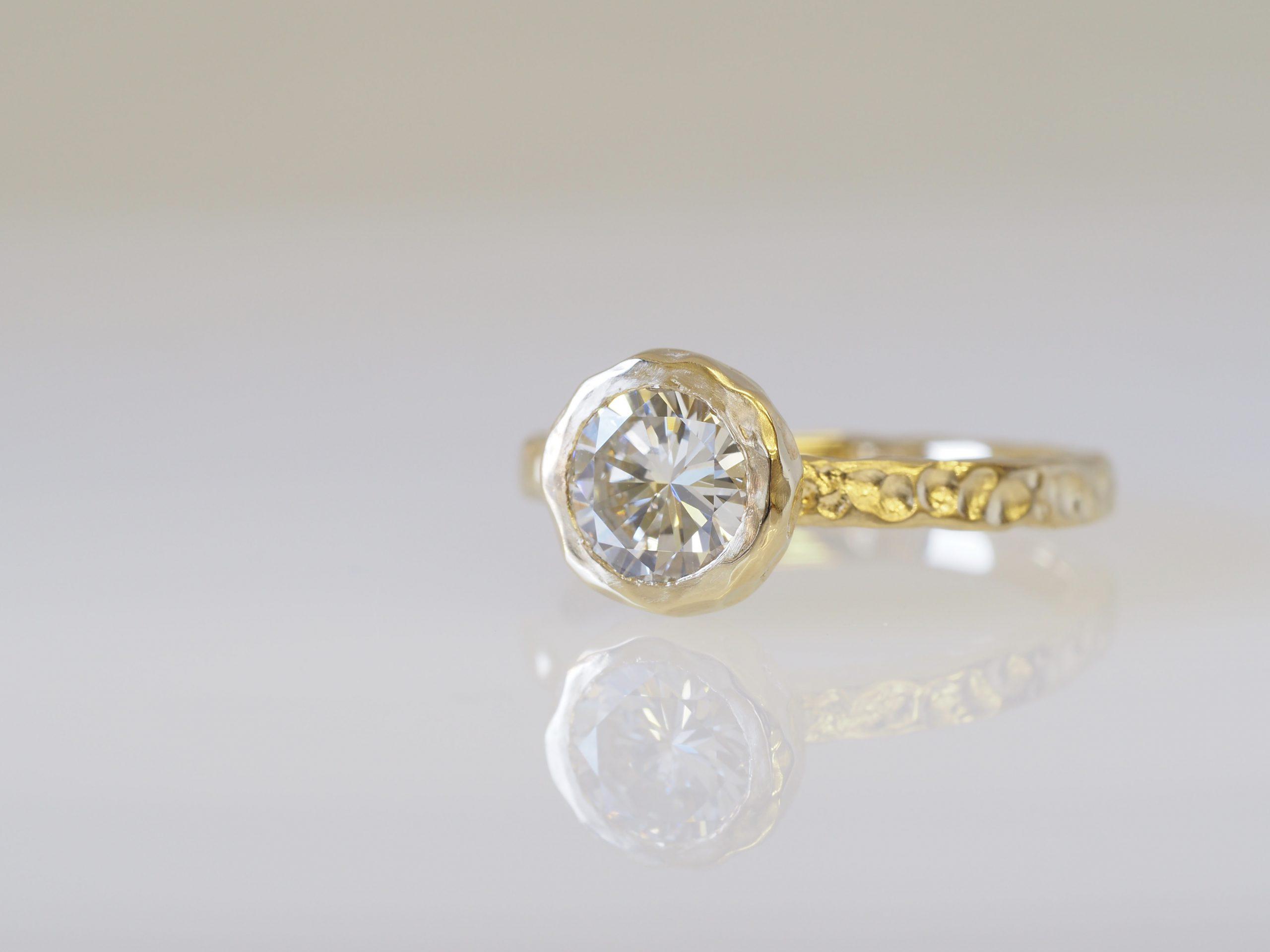 ダイヤモンドを留めたリフォームジュエリー