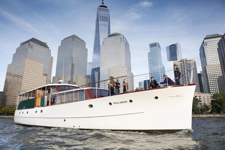 The Yacht Full Moon Classic Harbor Line
