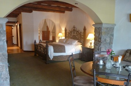 Our muy grande room in Creel