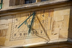 Love the sundial, but it doesn't do daylight savings time...