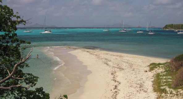 Beautiful sand, sun, surf and snorkeling at Tobago Cay