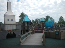 Aaron took us on an adventure to Possibility Playground, a great find just 80-or-so wooden stairs up from the beach :).