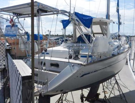 The transom, complete with dinghy davits for easy hoisting.