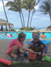 Magic poolside potions with Viv at the Kite Beach Hotel