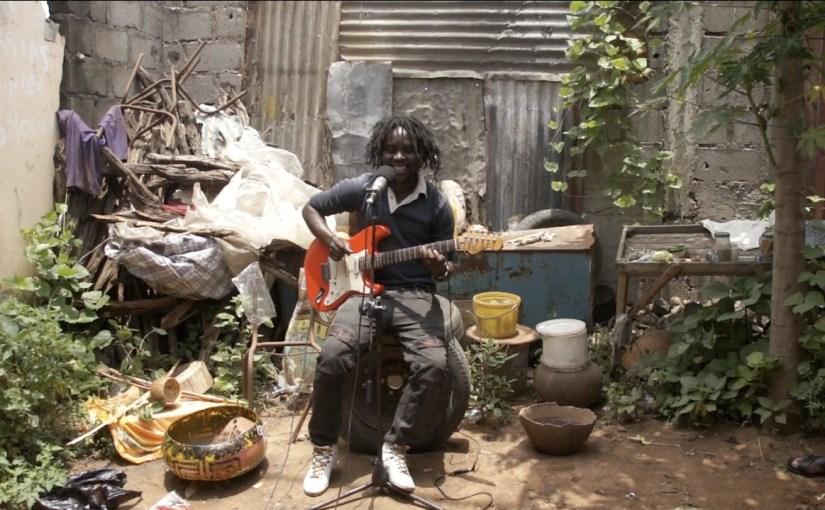 Percussion: Amado Dolinco (Mosambik)