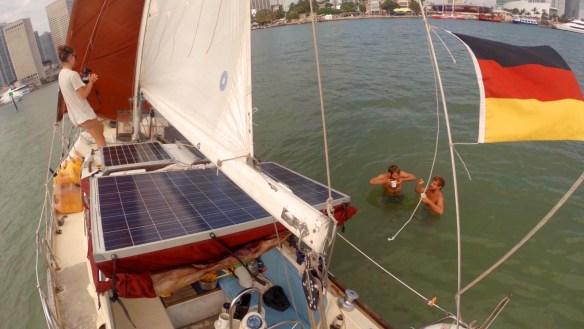 Wir bleiben auf einer Sandbank im Hafen von Miami stecken