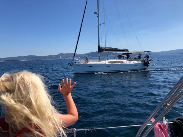 Zeilen varen wereld rond spaanse ria's portugal spanje avontuur kinderen eiland leven aan boord vissen