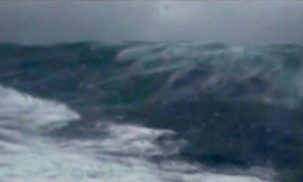 Big waves (Sailing Miss Sadie).jpg