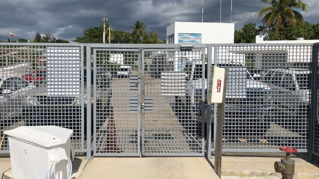 Marina Pescaderia dock gate