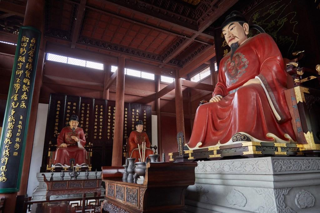 Qian King Statues Wuyue Hangzhou