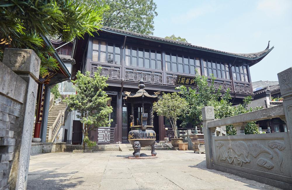 Baopu Temple Hangzhou