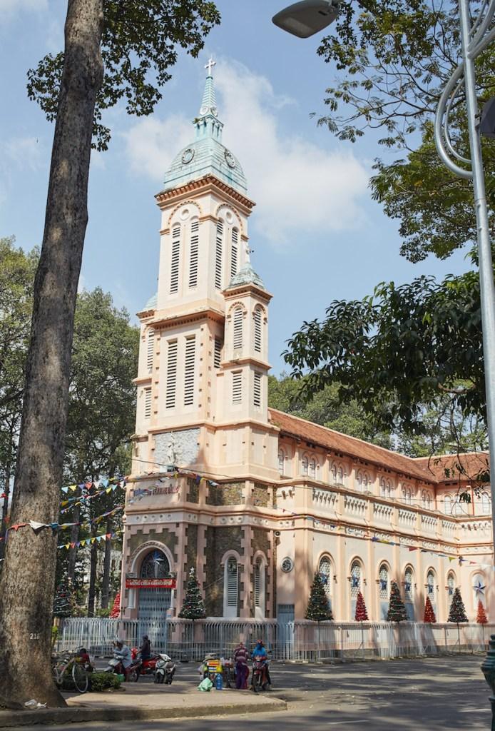 Huyện Sĩ Church Saigon