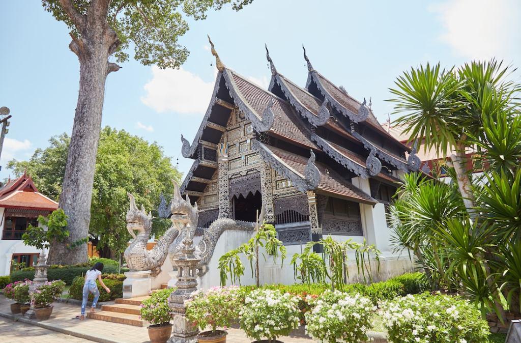 Wat Chedi Luang Viharn