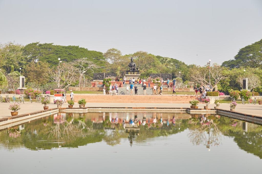 Wat Ramkhamhaeng Monument