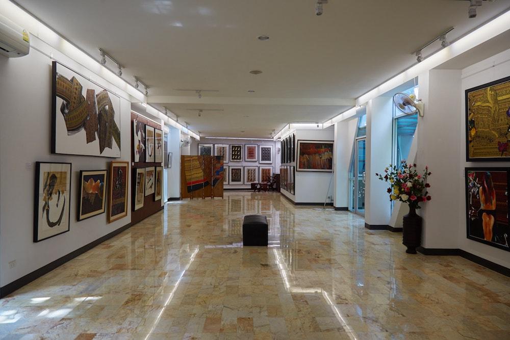 Wattana Art Gallery