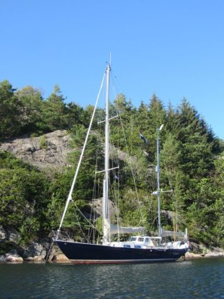 Our first anchorage, at the beautiful island of Skogsøy