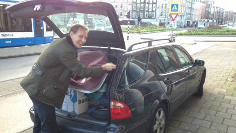 Floris packing the Saab