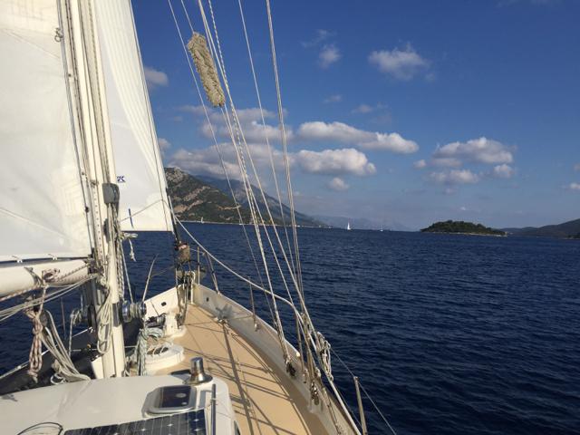 Sailing upwind to Zaton