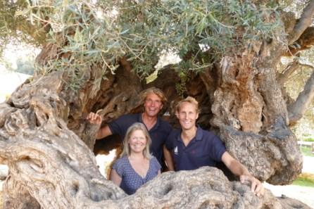 With Annemiek in monumental Cretan olive tree