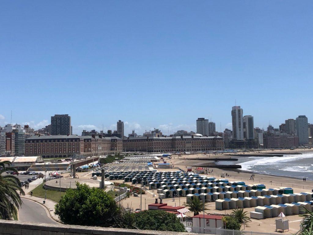 Mar del Plata casino and beach