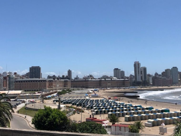 Mar del Plata casino and beach