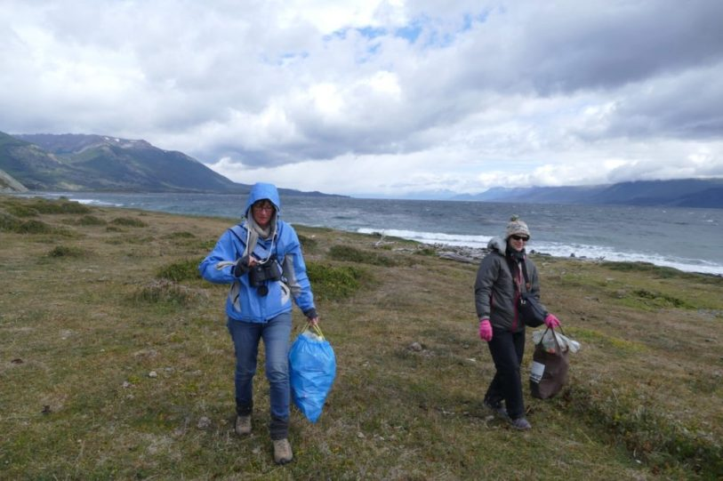 Spontaneous plastic clean-up with boaties