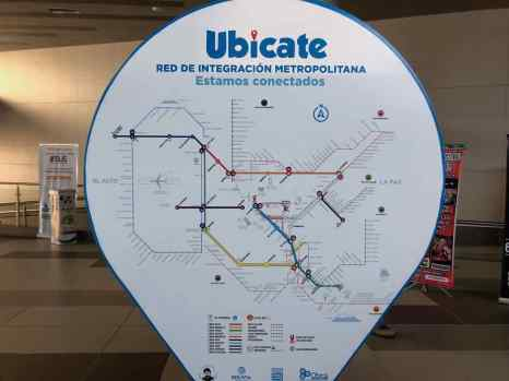 Sizeable cable car network in La Paz