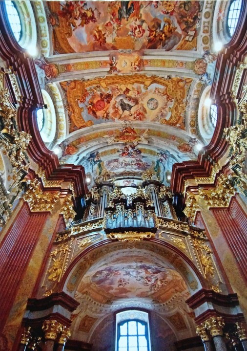 dsc01658-the-ceilings-reflect-the-baroque-period