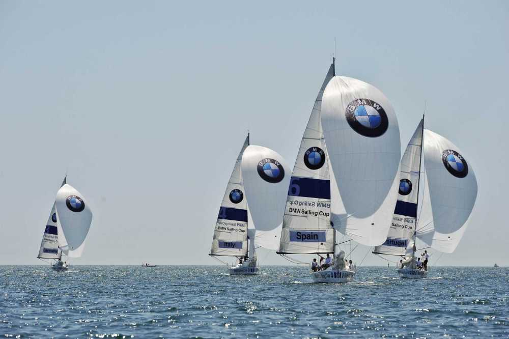 P90077748-bmw-sailing-cup-2011-fleet-regatta-in-cascais-portugal-06-2011-2253px.jpg