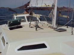 Open_hatch_on_deck
