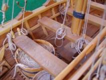 Dettaglio delle panche dei rmeatori - Detail of the rowers' banks