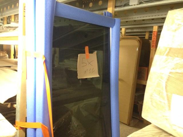 Salon doors