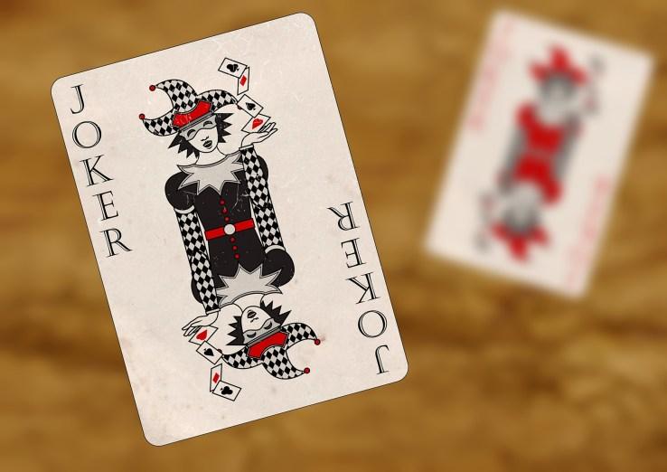 playing cards 1068147 1920 1024x724 - Comment manger sainement sans se priver : La Pyramide