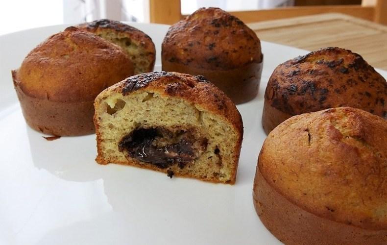 Muffins à la banane fourrés au chocolat