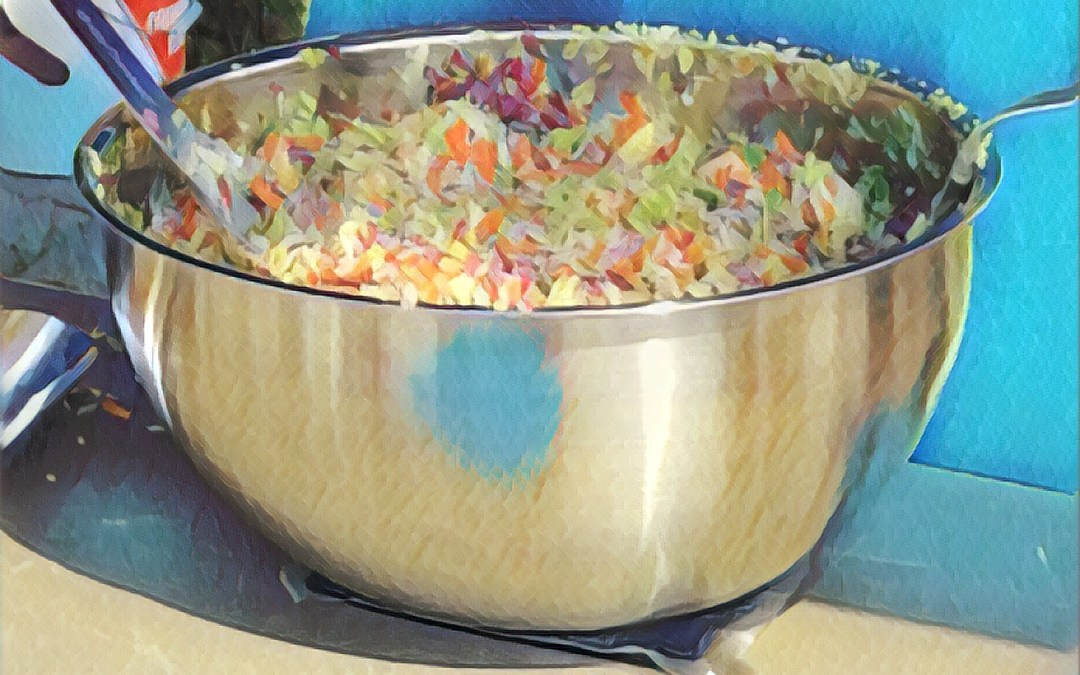 Salade chou, pommes, noix et vinaigrette