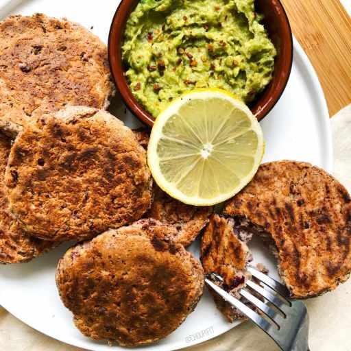recette healthy et végétarienne de galette végétal avec haricots rouges, pois chiche et flocons d'avoine sans matière grasse, sans lactose