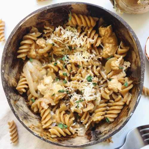 Pâtes aux oignons caramélisés façon one pot pasta