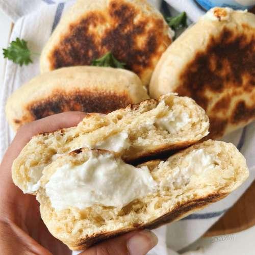 Khachapuri allégé ou pain plat farci au fromage