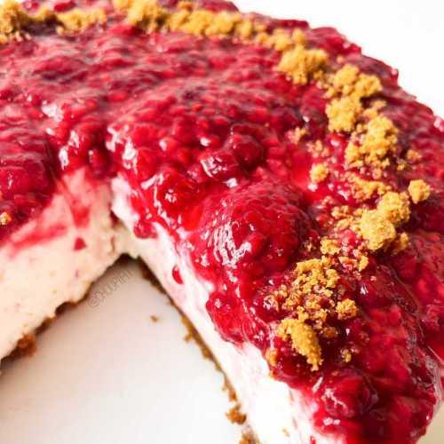 Cheesecake allégé aux spéculoos et aux framboises sans cuisson