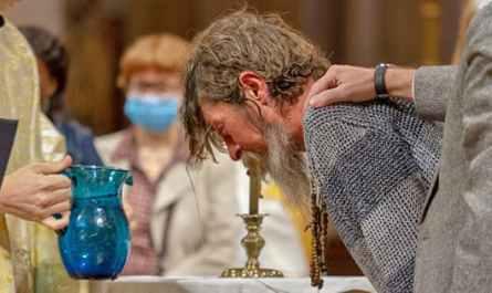Baptême d'un adulte à Saint-Ambroise
