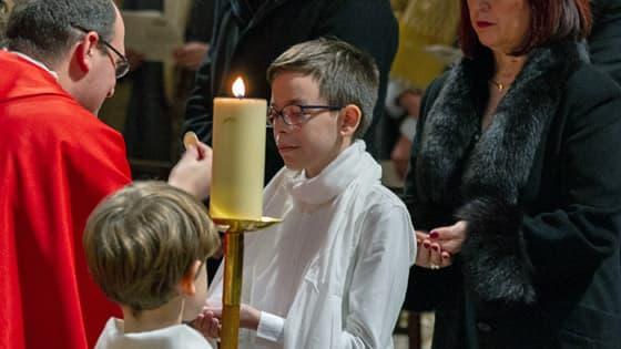 Première communion à Saint-Ambroise avec Père Baptiste Milani