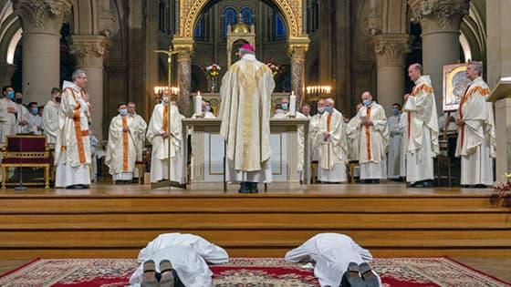 Ordination de Kevin Anastase et Jean-Charles Pellen