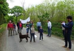 les supporters de la paroisse Saint Hélier posent pour Ouest-France
