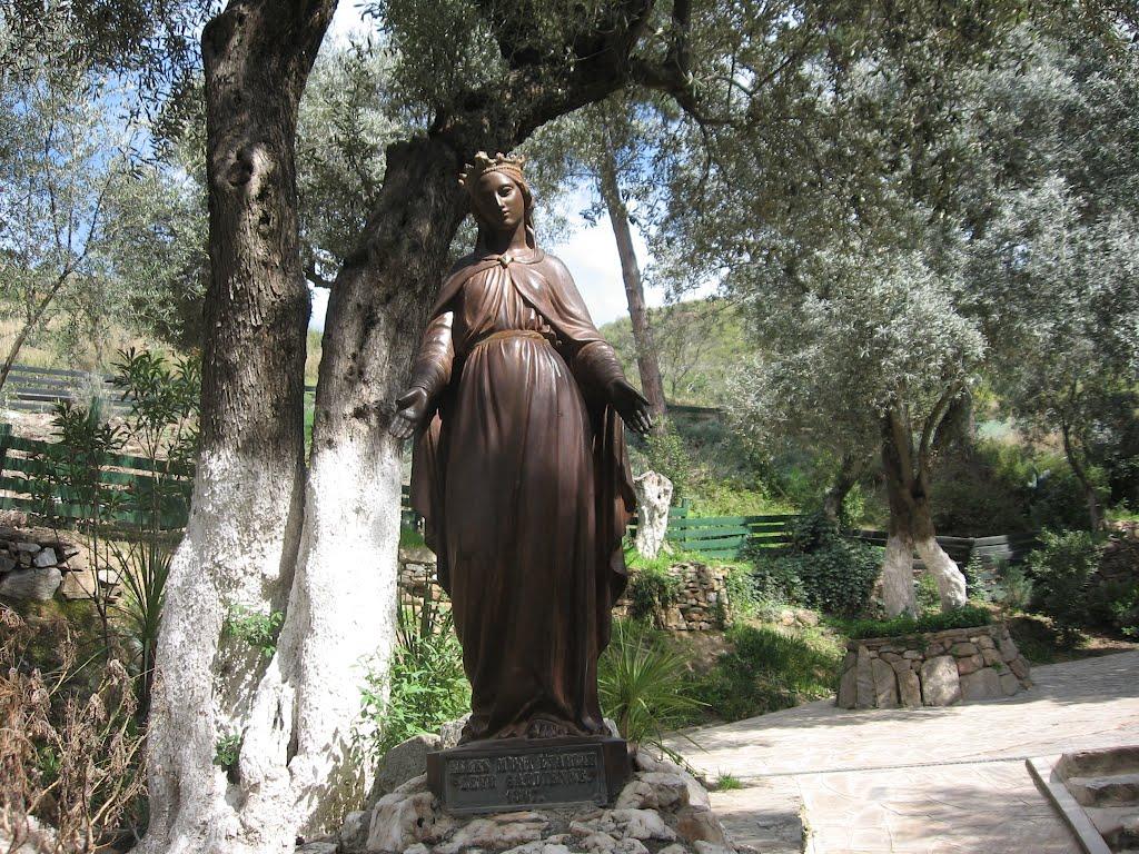 La Vierge accueille le pèlerin