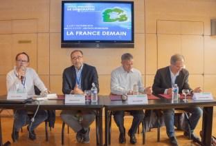 """Le grand débat """"La France est-elle encore une terre d'accueil ?"""" avec Raphaël Pitti, Azouz Begag, Jean-Paul Mari et animé par Pascal Didier, samedi après-midi à l'Hôtel de Ville."""